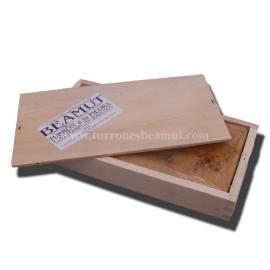 Nougat to stone 300 gr. (Wooden case)